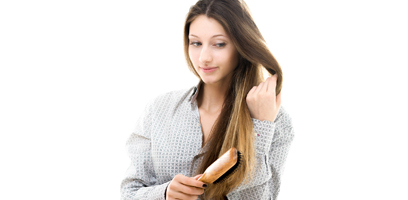O cabelo cai em maior quantidade depois do parto.