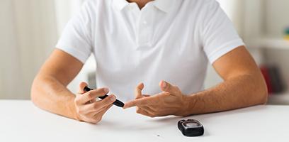 Diabetes pode causar disfunção erétil no homem.