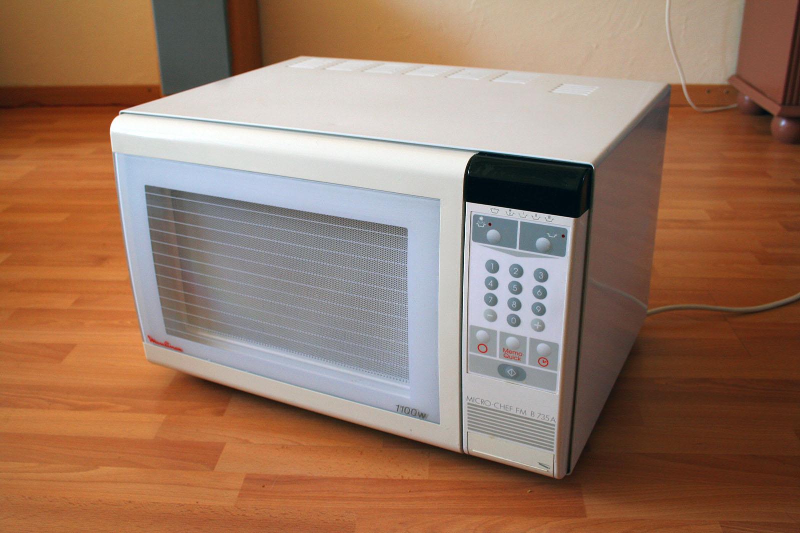 Alimentos cozidos em forno de micro-ondas provocam câncer?