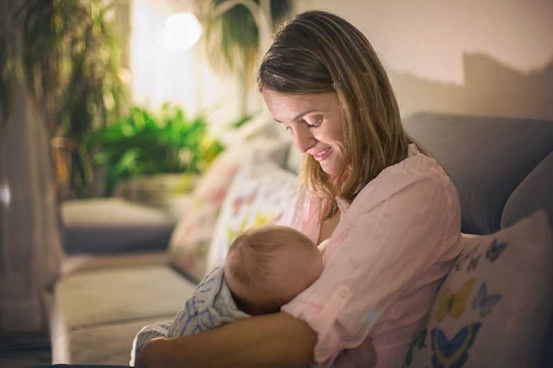 O aleitamento beneficia somente o bebê